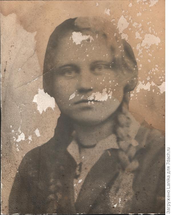 Мамина фотография начала 30х годов.