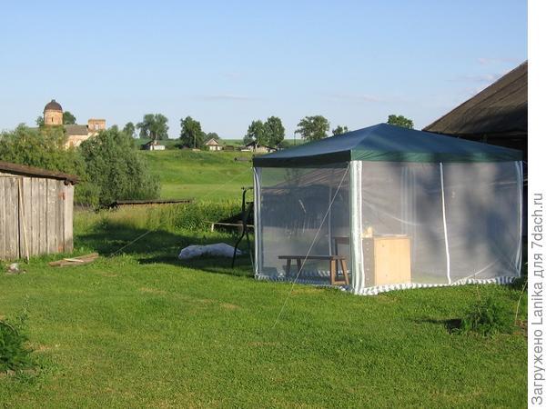 2009 год, первый раз поставили шатер.