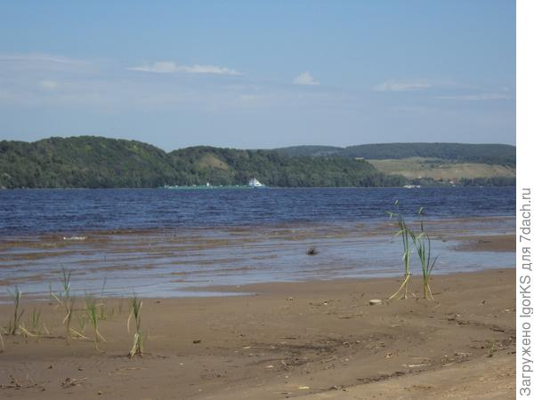река Волга...