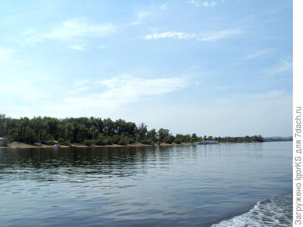 Нахлынули воспоминания, как мы отдыхали, купались, ловили рыбу