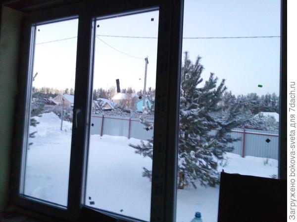 Окна Veka с энергосберегающим покрытием, при -27 градусах дом остался теплым, хотя котел отключился из-за отсутствия света.