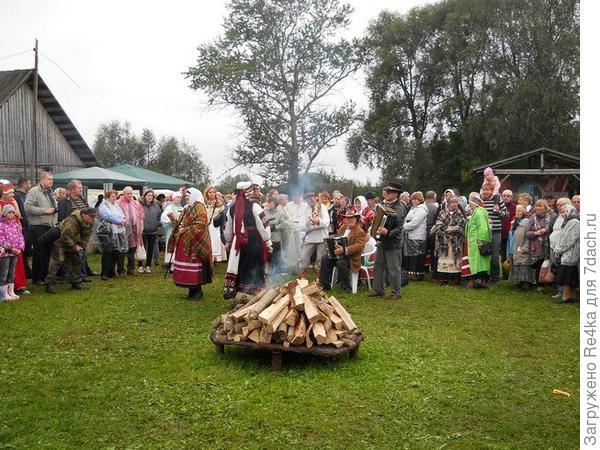 День Сету. Семейные встречи. Проводится один раз в год в августе в государственном музее народности Сету.