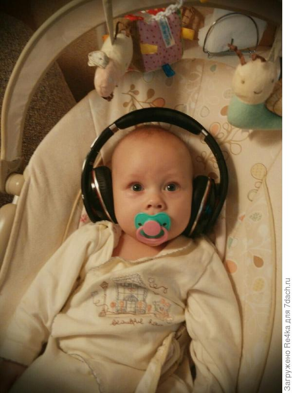 Пришёл черёд для музыкальных инструментов, так как музыка у нас с детства в ушах.))