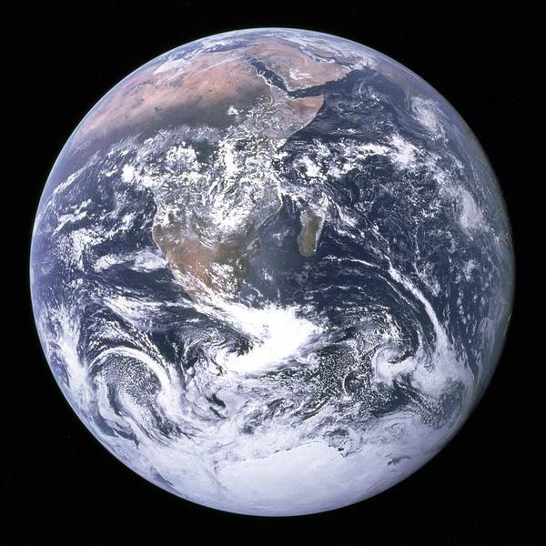 Планета Земля. Фотография сделана 7 декабря 1972 года с космического корабля Apollo 17. Фото с сайта nasa.gov