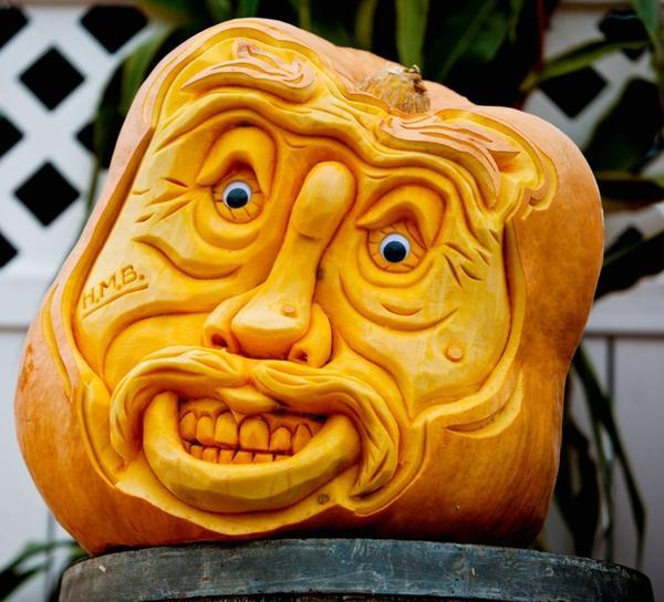 Веселая маска. Фото с сайта catcutillo.com