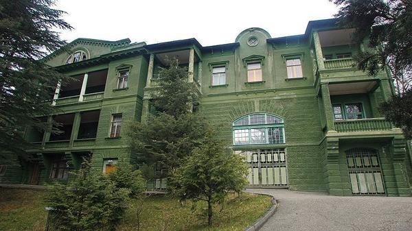 Дача Сталина в Сочи. Фото с сайта russiantourism.ru