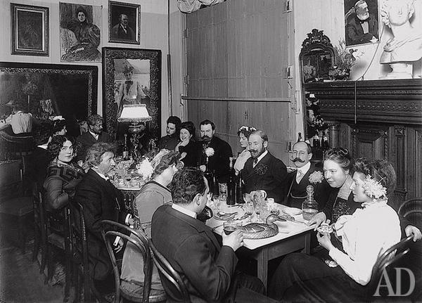 Вегетарианский обед на даче Пенаты в 1909 году. Фото с сайта m.admagazine.ru