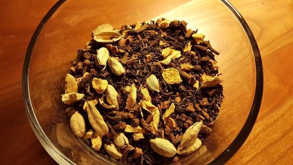 Кардамон используют в чайных сборах