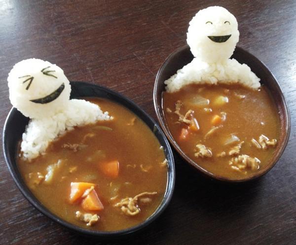 Рисовые человечки в супе. Фото с сайта boredpanda.com