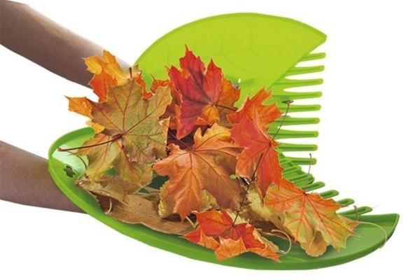 Прихватки для сбора травы и листьев. Фото с сайта fix-price.ru
