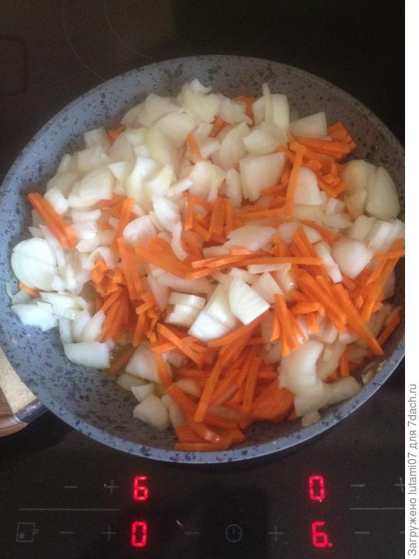 Нежный салат из рыбы с морковью и луком. Пошаговый рецепт с фото