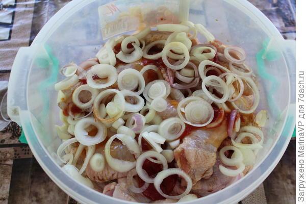 Соевый соус соленый, маринад можно не солить.