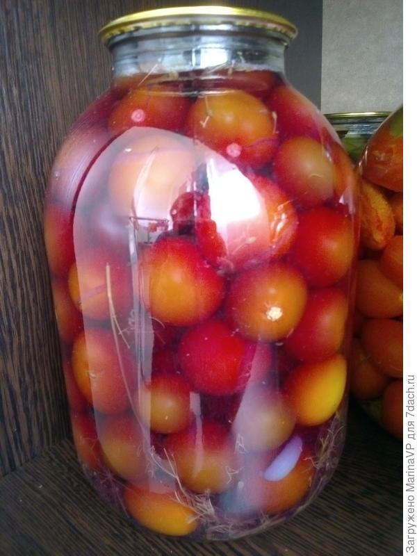 Необычный томат