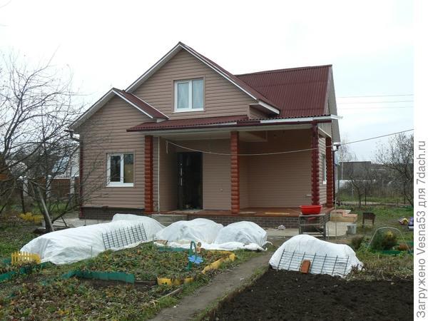Осень 2010, общий вид дома со стороны участка