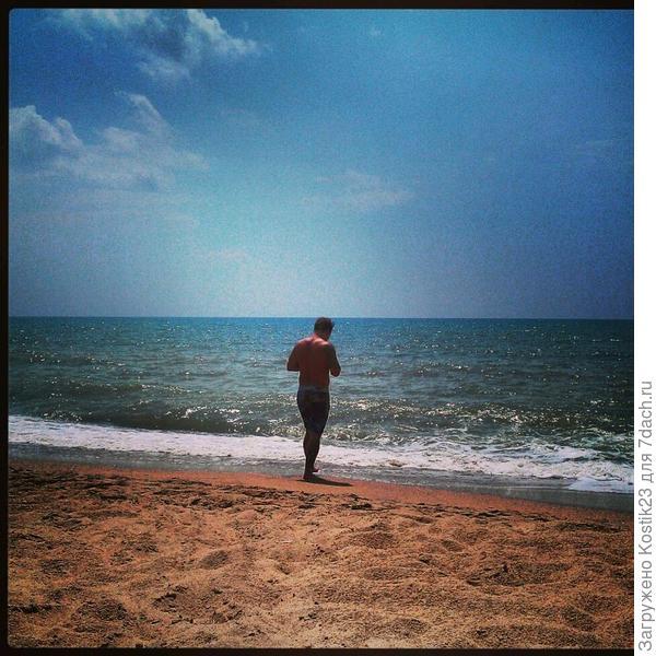 Попал в кадр,когда разговаривал с морем...