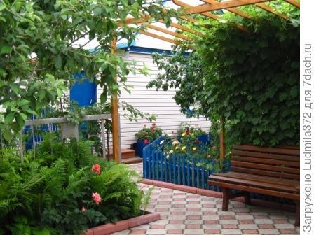 Пергола и садовая скамья
