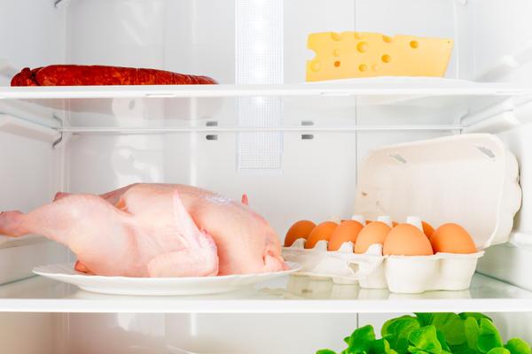 Вредные насыщенные жиры есть в большинстве привычных нам продуктов