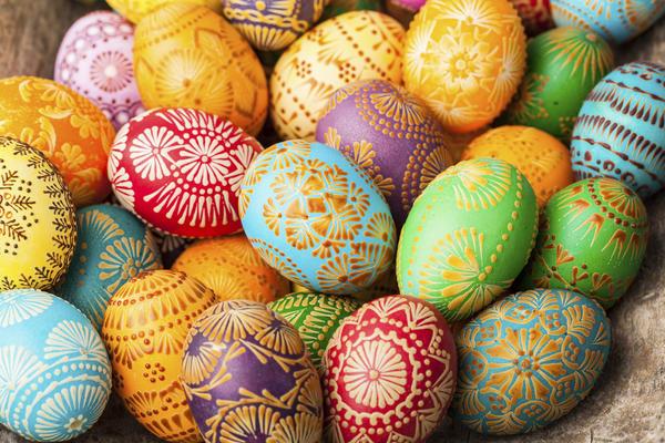 Крашеные яйца - традиционный символ православной Пасхи