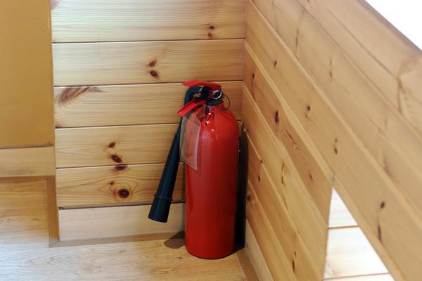 На даче необходимо иметь огнетушитель