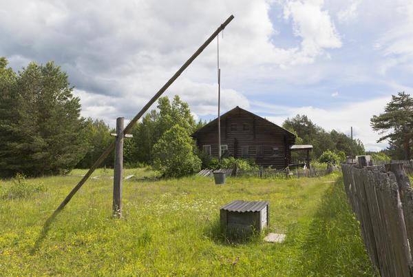 Раньше колодцы были общественные, их не строили на своих участках