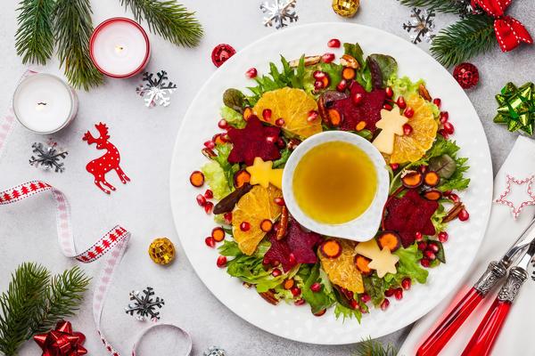 Салат на Новый год может быть не только вкусным и красивым, но и полезным