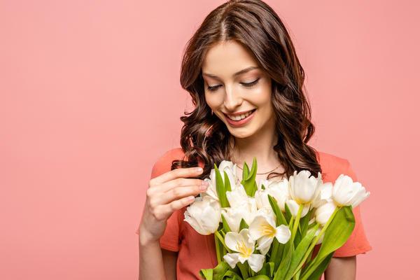 Прием витаминов и микроэлементов поможет стать энергичнее, здоровее и увереннее в себе в любое время года