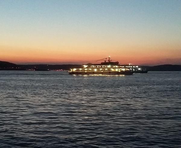 Закат на проливе Дарданеллы