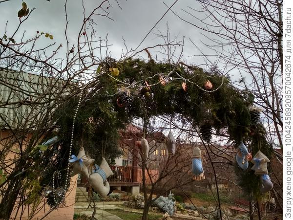 Новогоднее украшение арки.