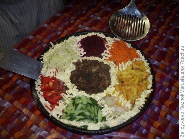 Салат; Бык в огороде; пошаговый рецепт приготовления с фото