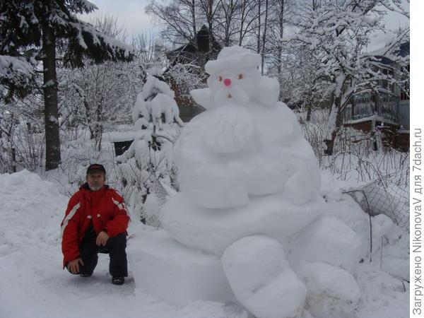 Автор зимних скульптур