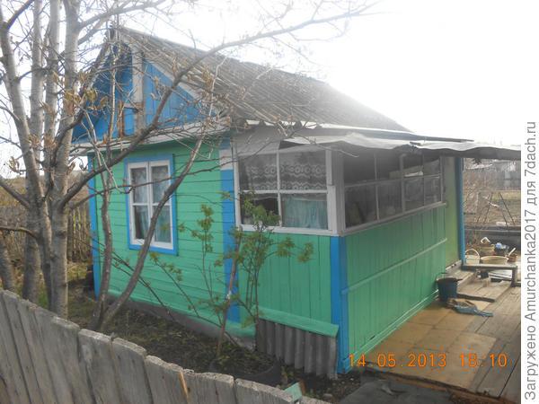 вот наш домик,маленький,но очень крепкий и прохладный,спасение от жары !!!