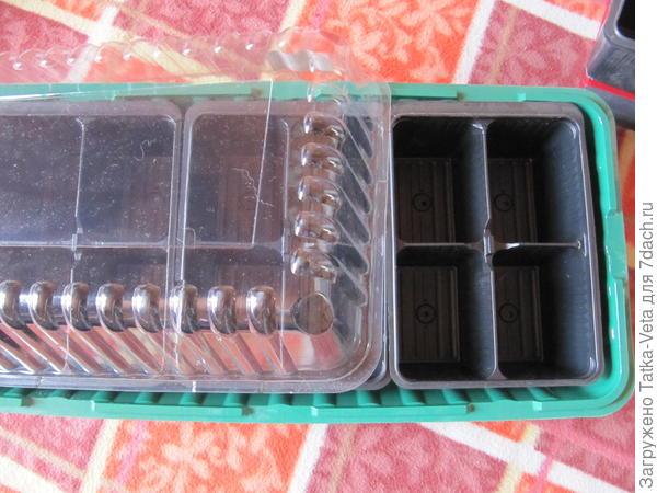 Мини-парник с одноразовыми кассетами для проращивания.