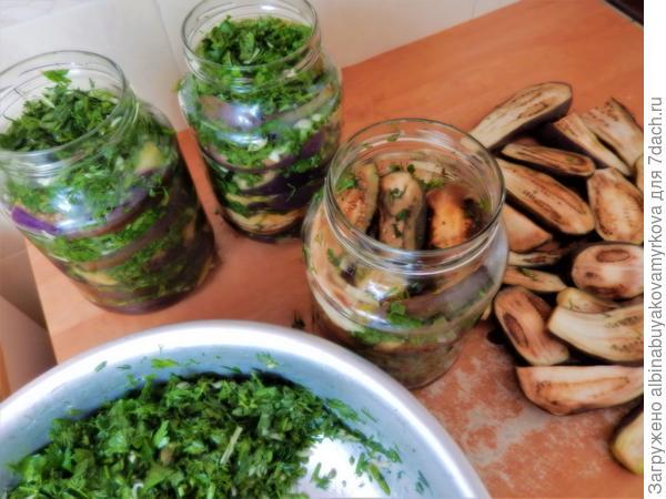 Чередуем баклажаны и зелень