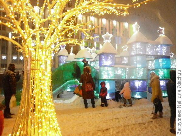 Ледяной городок с детскими горками