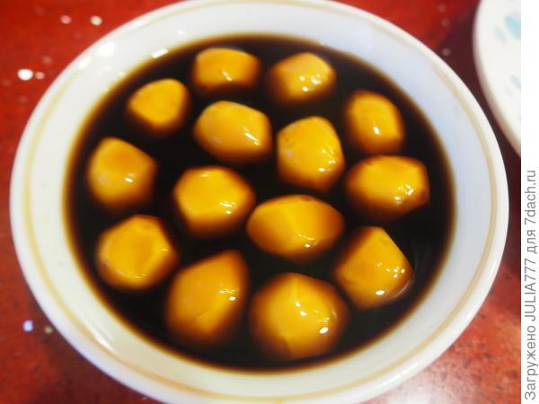 Новогодние шашлычки-микс с маринованными яйцами - пошаговый рецепт приготовления с фото