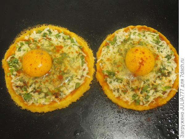 Галета с яйцом и сыром. Рецепт с пошаговыми фотографиями