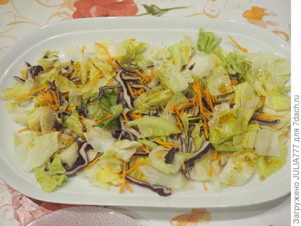 Легкий салат из перепелиных яиц, черри и салатных листьев; Милые крошки. Пошаговый рецепт с фото