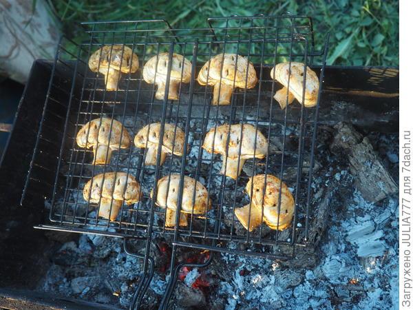Шампиньоны-гриль со сладкой паприкой. Пошаговый рецепт фото