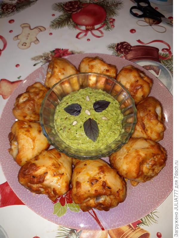 Зеленая закуска из капусты Кале а-ля песто. Пошаговый рецепт с фото