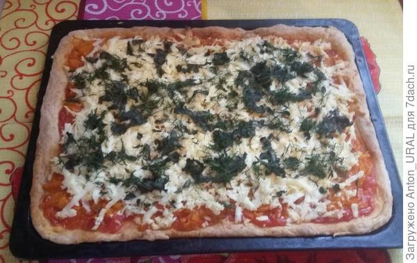 Пицца с морковью и адыгейским сыром