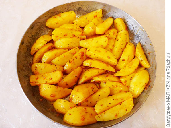 Запеченный картофель со специями - отличный гарнир на все времена - пошаговый рецепт приготовления с фото