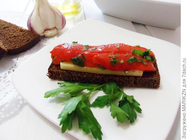 Печеный болгарский перец в ароматной заправке - пошаговый рецепт приготовления с фото