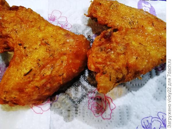Очень хрустящие крылышки с картофелем по-деревенски