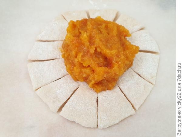 Ватрушки с курагой - пошаговый рецепт приготовления с фото