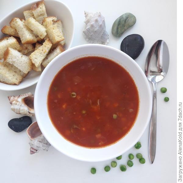Рыбный суп с зелёным горошком