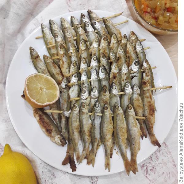 Рыбки на шпажках