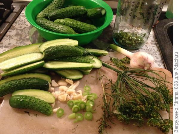 Малосольные огурчики; Моментальные; сухого посола - пошаговый рецепт приготовления с фото