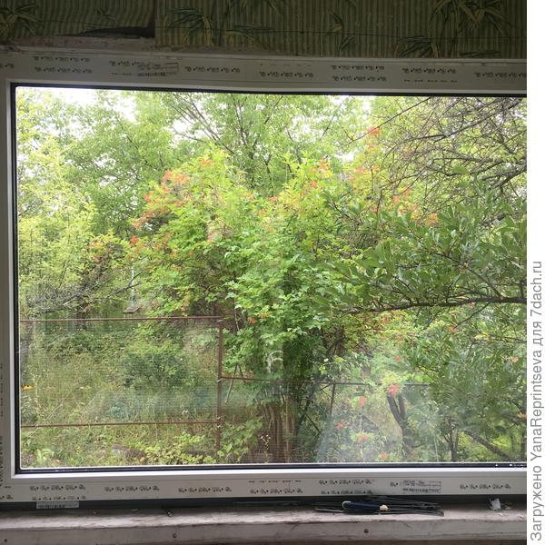 """Три новых окна у меня без перемычек, словно рамы для картин. причем пейзажи в них меняются ежедневно! Мое любимое """"полотно"""" на кухне. Даже занавески вешать не хочется..."""
