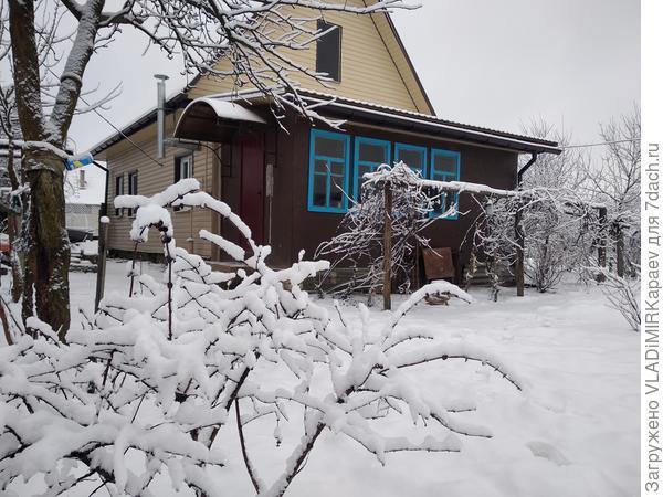 Моя дача дождалась зимы, только в первых числах января.