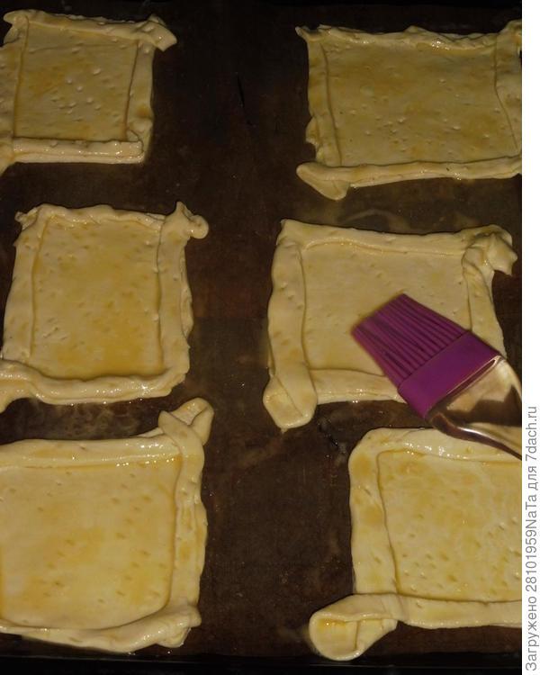 Мини-пицца на слоеном тесте - пошаговый рецепт приготовления с фото